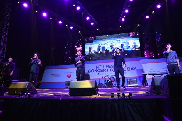 Pic 5 Five of the Eight Dukes of Caldecott Hill - Ian Fang, Shane Pow, Romeo Tan, Jeffrey Xu, Zhang Zhen Huan entertaining the crowd at NTU Fest